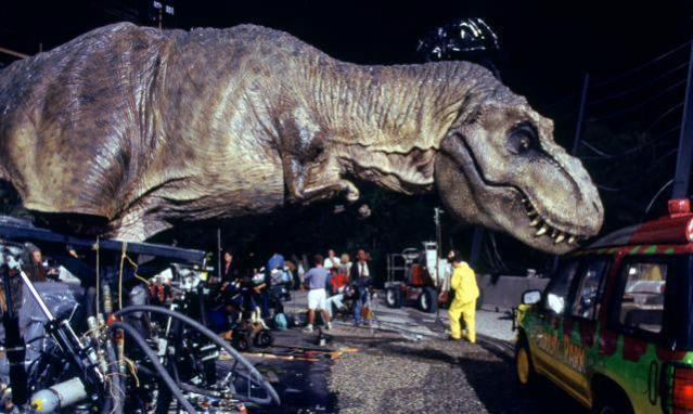 jurassic-park-animatronics-t-rex